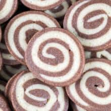 Chocolate Pinwheel Cookies: the perfect combination of soft and crispy, chocolate and vanilla, fun to make and visually stunning. {bunsenburnerbakery.com} #cookies #pinwheelcookies