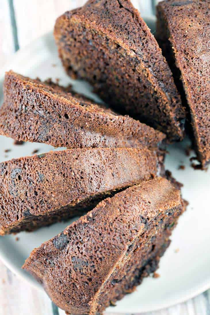 Chocolate Zucchini Bread: rich, decadent, double chocolate zucchini bread. Extra moist and the most delicious way to eat more zucchini! {Bunsen Burner Bakery} #bread #quickbread #zucchinibread #chocolate #breakfast