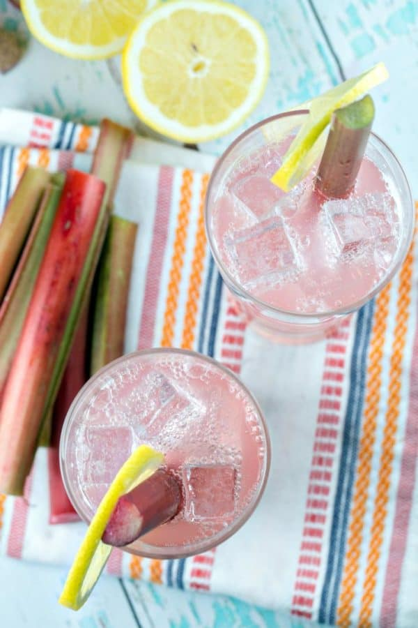 Rhubarb Tom Collins: a delightfully pink twist on a Tom Collins, this simple Rhubarb Tom Collins requires only four ingredients and is perfect to sip all spring and summer long. {Bunsen Burner Bakery} #rhubarb #cocktails #tomcollins #drinks