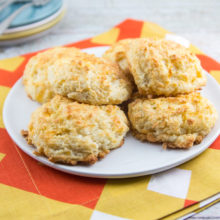 Garlic Cheddar Buttermilk Biscuits: on the table in under 20 minutes. As delicious as they are easy! {Bunsen Burner Bakery}