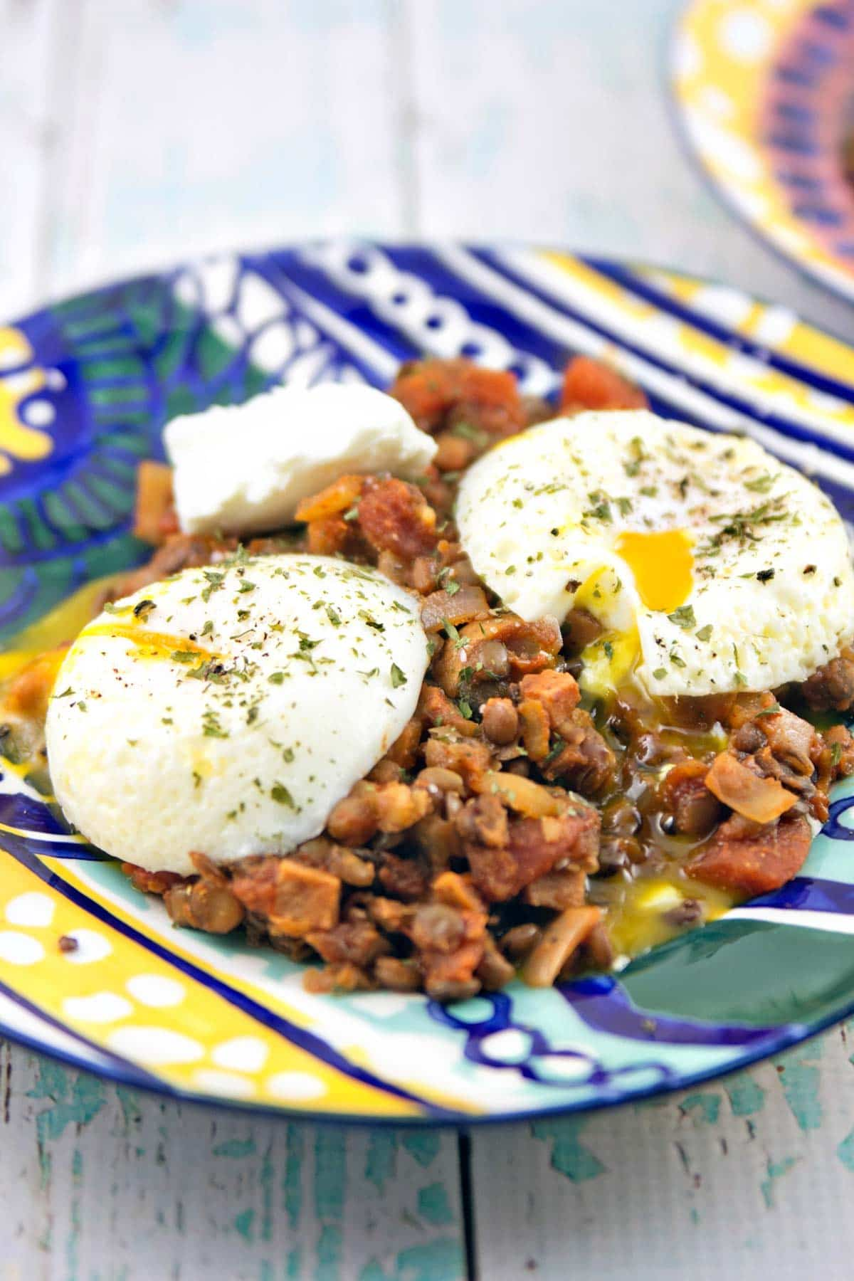 Indian Spiced Lentils with Poached Eggs: a fast, healthy dinner for the whole family - gluten free and vegetarian! {Bunsen Burner Bakery}