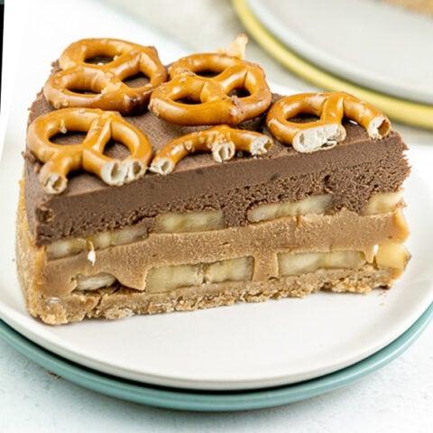Chocolate Peanut Butter Banana Pretzel Pie