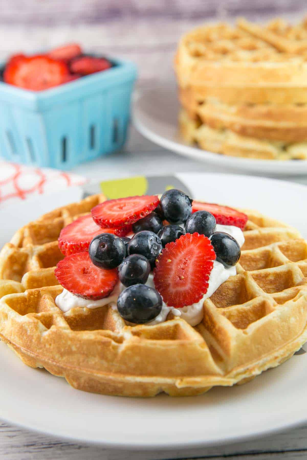 Belgian Waffles: Be a brunch superstar with these light and fluffy classic Belgian waffles. No matter what topping you choose, these waffles are sure to be a big hit. {Bunsen Burner Bakery} #waffles #belgianwaffles #breakfast #brunch