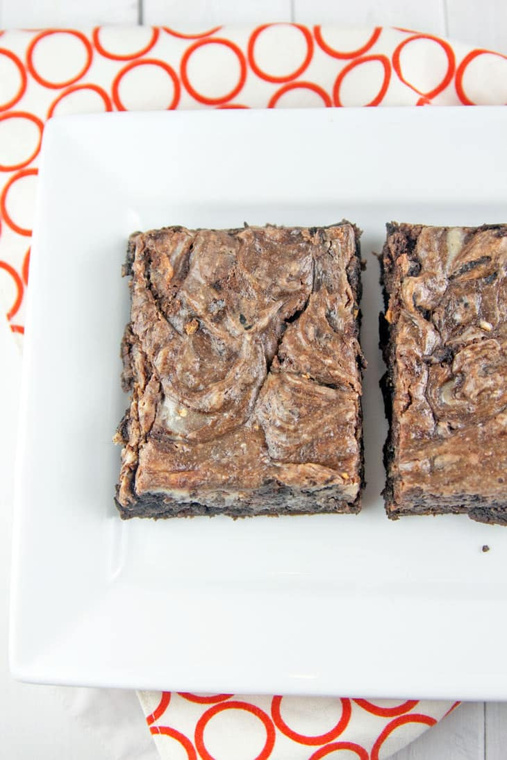Cream Cheese Swirl Brownies: rich and fudgy brownies with a tangy cream cheese swirl. Plus, tips on how to properly store cream cheese-based desserts! {Bunsen Burner Bakery}