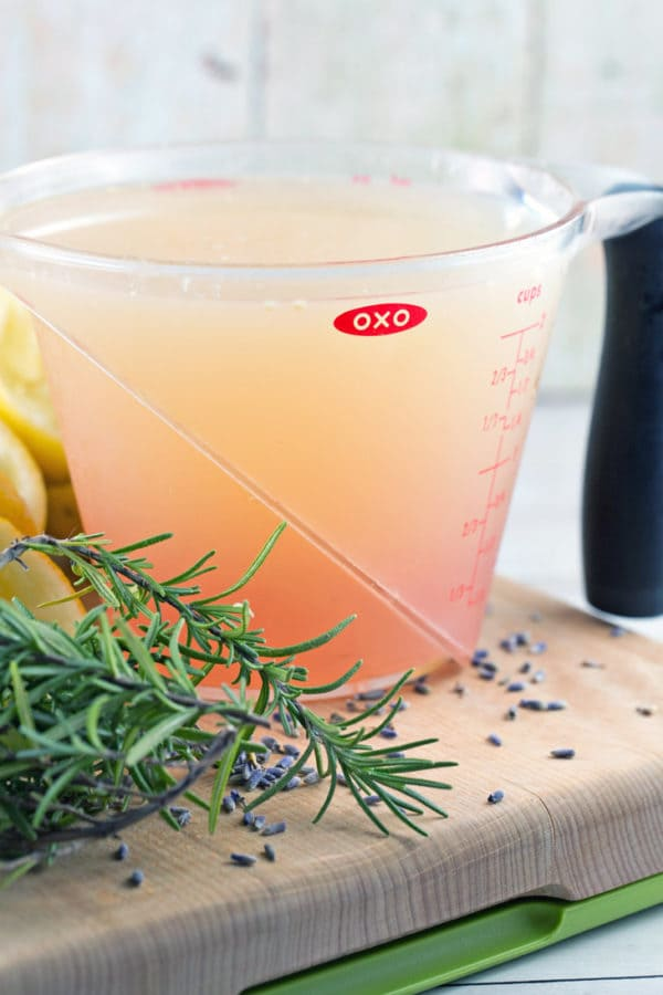 Rosemary Lavender Lemonade: spruce up some fresh squeezed lemonade for your next gathering with a few sprigs of rosemary and some dried lavender. Perfect for sipping, with or without a splash of vodka! {Bunsen Burner Bakery}