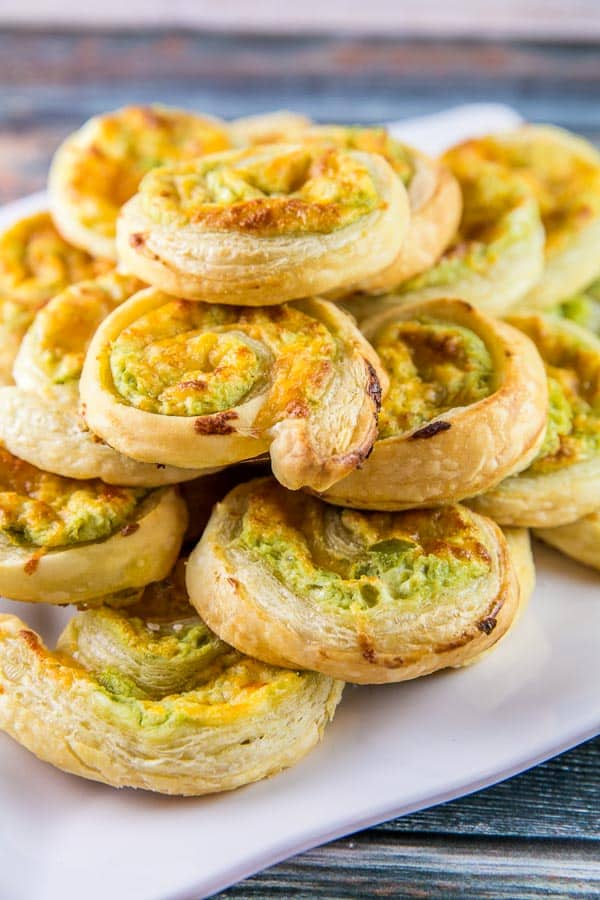 Jalapeño Popper Pinwheels: the delicious spicy-creamy flavor of jalapeño poppers, rolled up in puff pastry dough. The perfect easy party appetizer! {Bunsen Burner Bakery} #appetizers #partyfood #jalapenopoppers #superbowl
