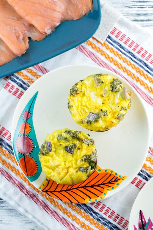 Smoked Salmon Egg Muffins: full of smoked salmon, capers, and red onion, these smoked salmon egg muffins are a delicious low carb, high protein breakfast option. {Bunsen Burner Bakery} #breakfast #brunch #eggs #smokedsalmon #glutenfree