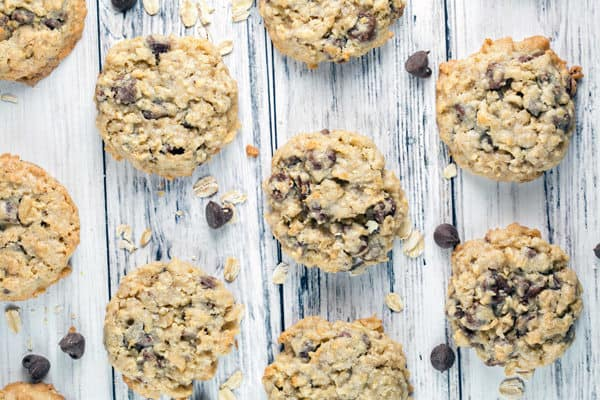Oatmeal Chocolate Chip Cookies: thick and chewy, with soft centers and barely crispy exterior. Stuffed full of oatmeal and chocolate chunks, these are the PERFECT everyday cookie! {Bunsen Burner Bakery} #cookies #oatmealchocolatechip #oatmealcookies