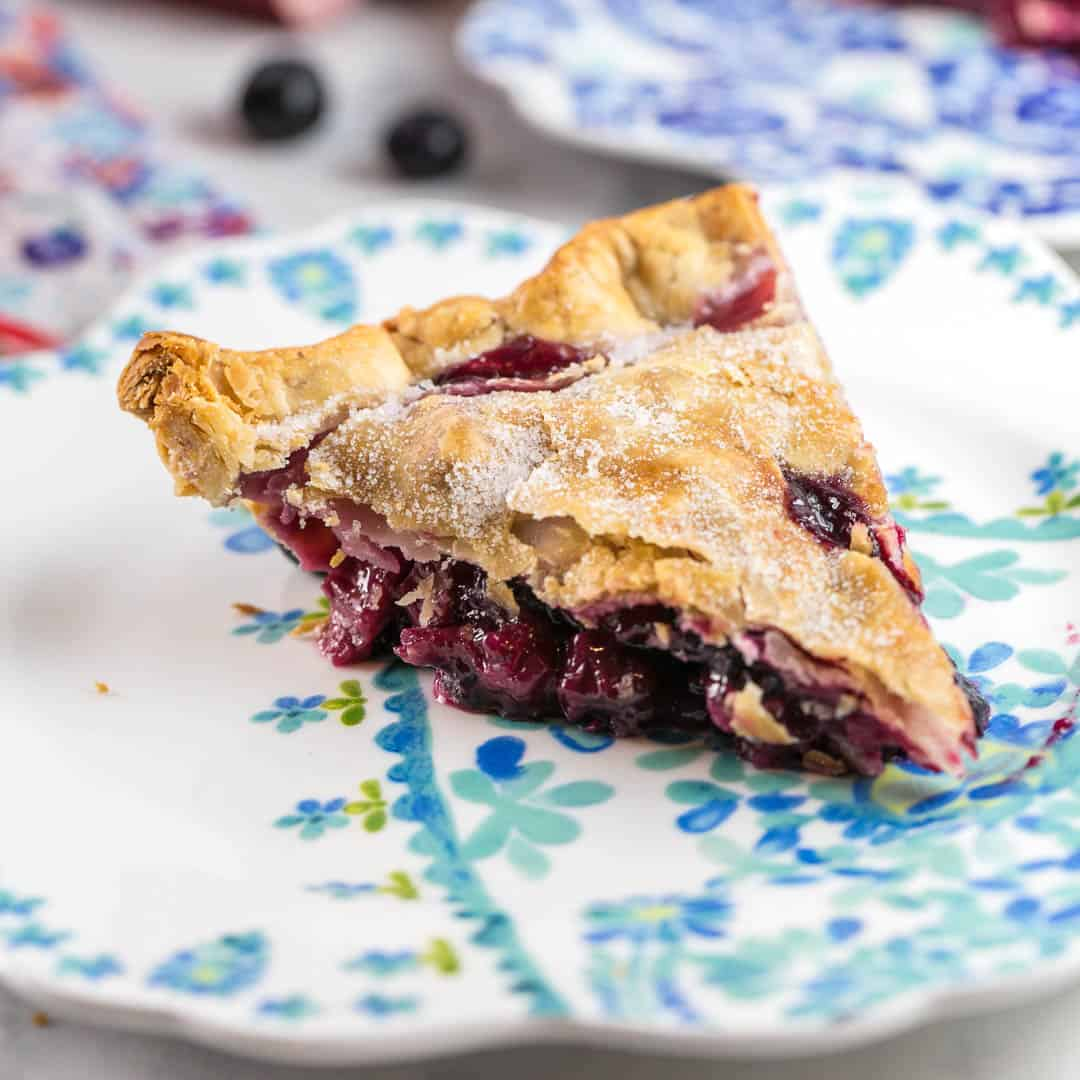 Blueberry Rhubarb Pie (Bluebarb Pie)