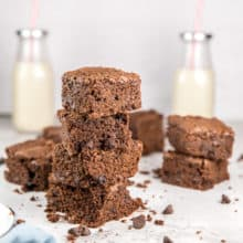 Perfect Chewy Brownies: This easy recipe for homemade chewy brownies is the PERFECT homemade brownie recipe! The ideal balance between fudgy and cakey, these moist brownies from scratch bake in a 9x13 pan to make a big batch to feed a crowd - or freeze leftovers to save for later! #bunsenburnerbakery #brownies #chewybrownies #homemadebrownies #browniesfromscratch