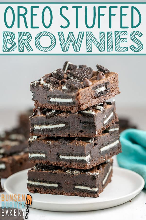 Fudgy Oreo Brownies: Why decide between brownies and cookies when you can have both with this easy oreo brownie recipe? With oreos in the middle and on top, it's perfect for all cookies and cream lovers! #bunsenburnerbakery #brownies #oreos #oreobrownies