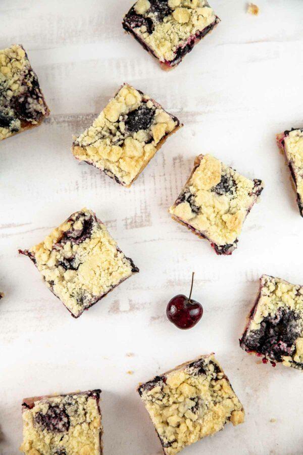crumb bars made with fresh cherries